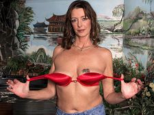A big-time knob for a small-town MILF