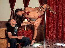 Strip Disrobe club Leg Vixen
