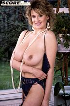 Debbie Q.: Pearl of a Girl